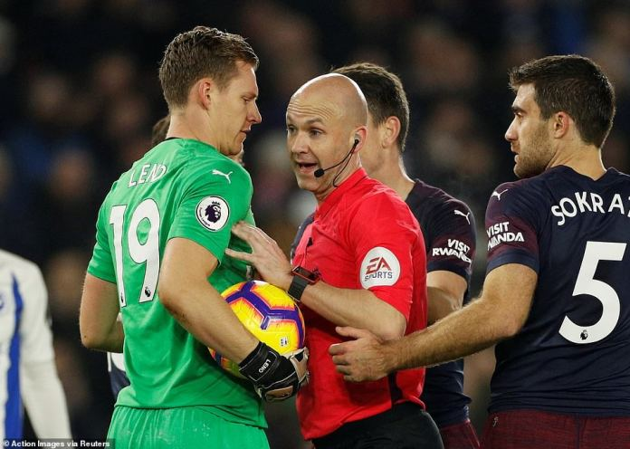 In the end the referee sided with Unai Emery's Gunners and felt Murray had kicked the ball out of the German stopper's hands