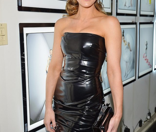 Kate Beckinsale Poured Her Fab Figure Into A Sexy Black