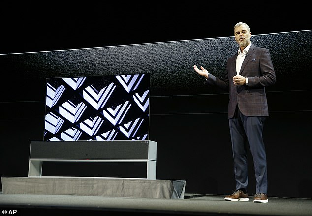 LG  introduced its  rollable OLED TV on stage in Las Vegas on Monday, dubbed the LG Signature TV R. ¿What science fiction directors imagined decades ago is now a reality,¿ the LG exec said