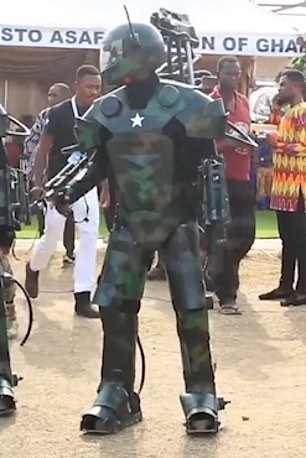 One of the soldiers wearing the exoskeleton