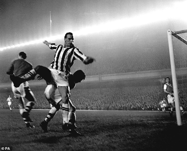 John Charles performed for Juventus when he played against Arsenal in November 1958