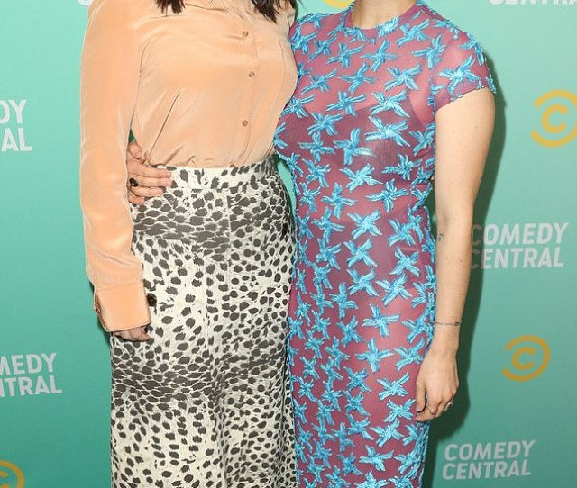 Stars And Creators Broad City Stars Creators Abbi Jacobson And Ilana Glazer Reunite At