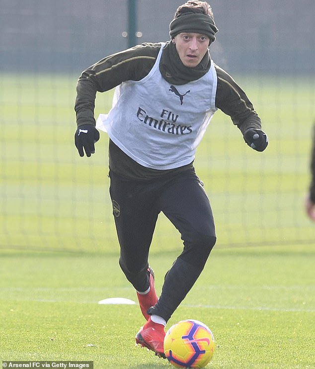 Ozil trained the whole week with the club and seems to have recovered completely from his knee injury
