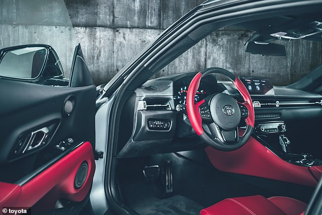 It is said that the interior is inspired by a single-seat sports car, although much of the picture comes from the sister model BMW