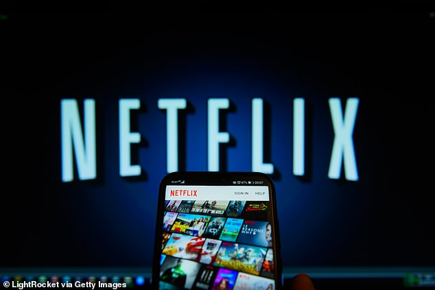 Netflix again increases its subscription prices. The company announced on Tuesday that it will increase costs for US subscribers, raising costs by 13 to 18 percent, depending on your plan. File photo