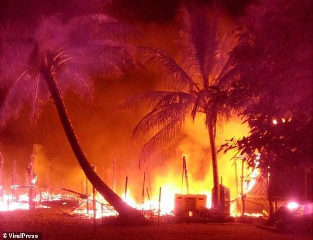 Destruction: un incendie s'est déclaré dimanche soir dans un village de l'île de Surin, en Thaïlande