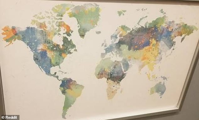 A photo of the $ 29 BJORKSTA world map (photo) sold at a Washington DC store in the US was announced to Reddit on Thursday