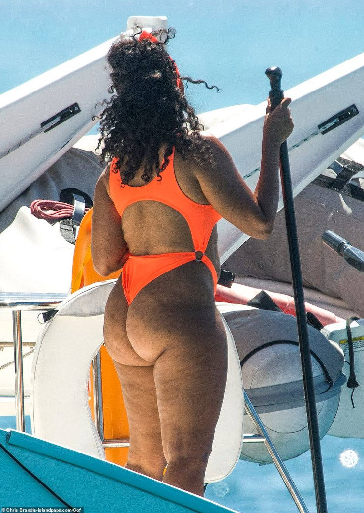 Pastor's Daughter, Angela Simmons Flaunts Her Heavy Backside In Barbados (Photos)