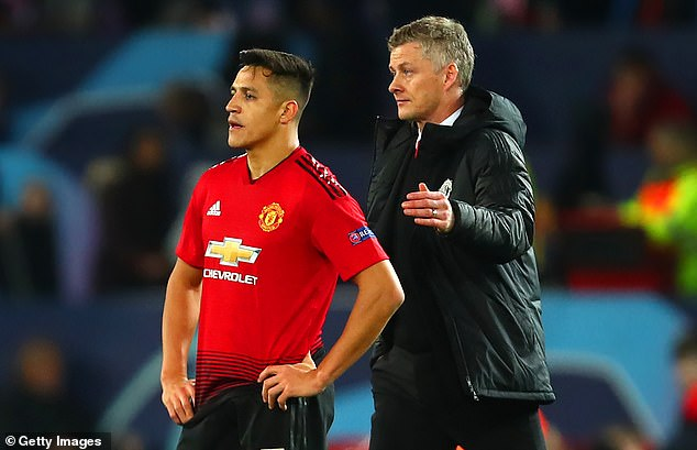 Man United boss Ole Gunnar Solskjaer (R) has compared Alexis Sanchez to a bottle of ketchup  You will not believe what Solskjaer compared Manchester United star to – Possible Line up For Man u Vs Chelsea 9932698 6714875 image m 56 1550438299554
