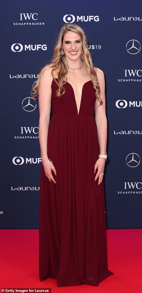 US Olympic swimmer Missy Franklin stunned on the red carpet