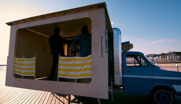 However, viewers couldn't help but mention that the roof of the van looked a little unsteady, pointing out that gaps could let the British weather in