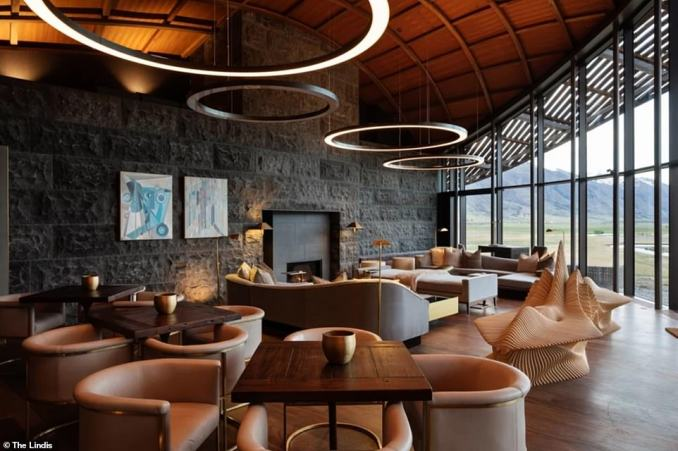 The Lindis opened last November and the building was designed to blend into its surroundings. The roof follows the curvature of the mountainous landscape, while the building is constructed out of timber and stone, complementing the colour tone of the valley