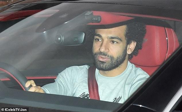 Mohamed Salah und der Rest der Mannschaft von Liverpool kamen am Samstagabend in Melwood an