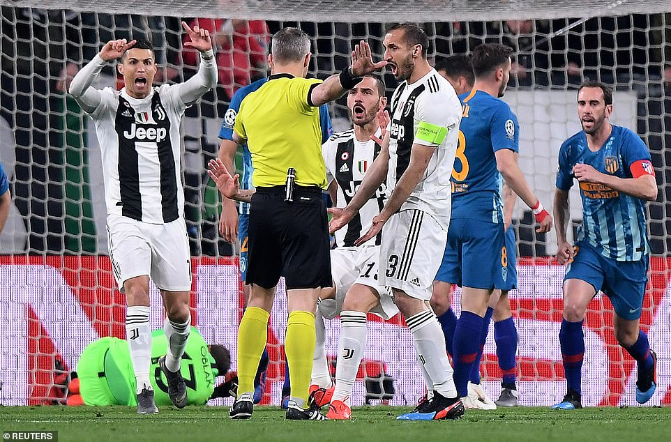 Referee Bjorn Kuipers ruled that Ronaldo had kicked the ball while goalkeeper Oblak had both hands on it