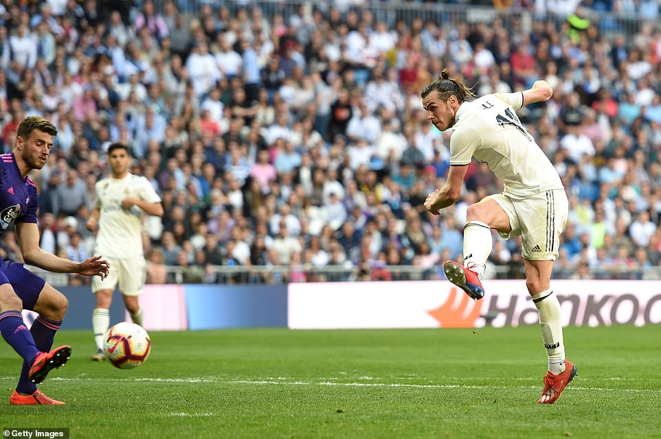 Gareth Bale fires alow right-footed shot in off the post to double Real Madrid's advantage over Celta Vigo on Saturday
