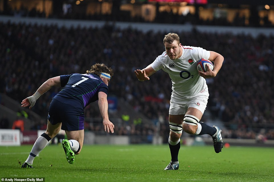 England were running riot asJoe Launchbury went over for their third try in the 13th minute of the Six Nations match