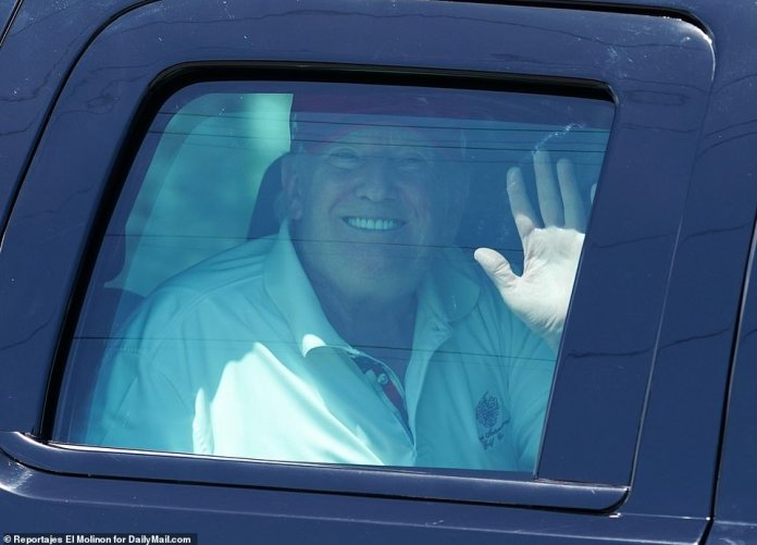 Trump smiled and waved to the fans on Saturday after he hit the links. He has still not been informed about the content of the Müller report, and it is not expected that AG Barr will forward its summary to the Sunday before the Congress