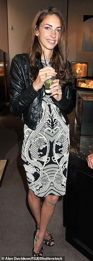 Rose es una ex modelo de la misma agencia que descubrió a Kate Moss.