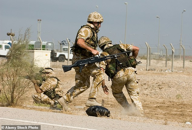 Los soldados pueden obtener las sesiones de terapia y medicamentos después de afirmar que el servicio activo arruinó sus vidas sexuales