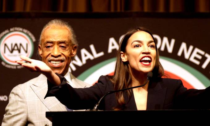 Alexandria Ocasio Cortez Calls For An Agenda Of Reparations Daily Mail Online