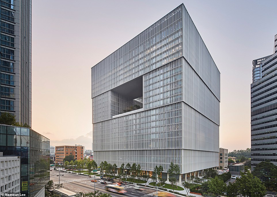 The Amorepacific Headquarters in Seoul is the winner of the best tall building between 100 and 199 metres. It houses an art museum, auditorium, library and restaurant
