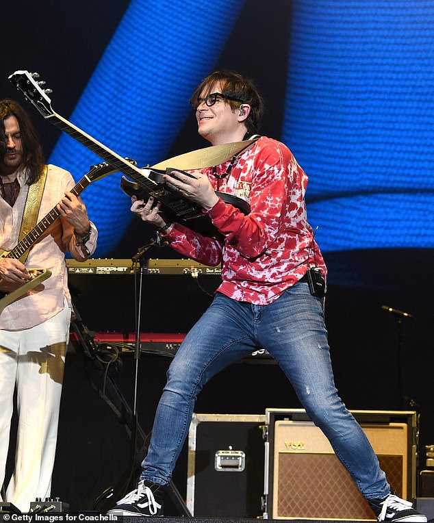 Legends: The legendary rocker from Los Angeles Weezer was warmed up before her performance began with an amusing barbershop quartet