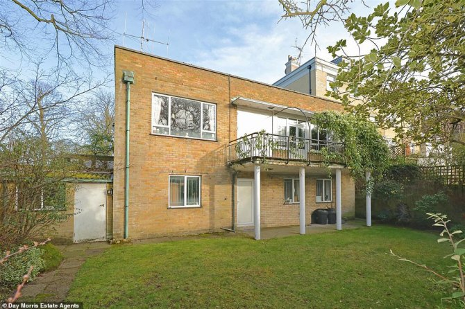 The mid-century house is surrounded by Queen Anne and Georgian homes built 200 years ago. The house could be double what is it currently worth if it is knocked down and rebuilt