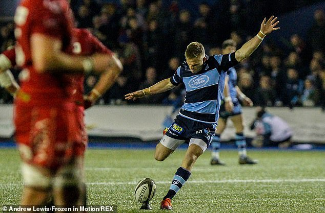 Gareth Anscombe will be leaving the Cardiff Blue to join the Ospreys next season