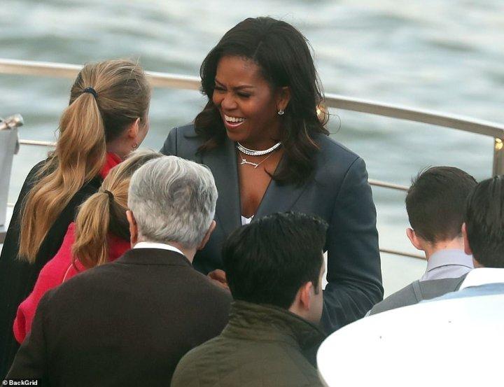 Mme Obama était à Paris pour promouvoir son nouveau mémoire de Devenir