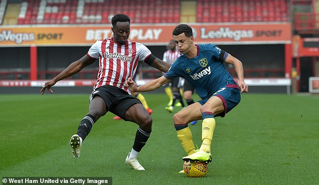 Brentford FC have LeoVegas signed as a shirt sponsor and livery can be seen on the advertising hoardings at this match against West Ham United, who are sponsored by Betway