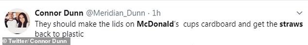 Andere fragten McDonalds Entscheidung, die Strohhalme in Papier umzuwandeln, während die Deckel der Becher plastisch gehalten wurden