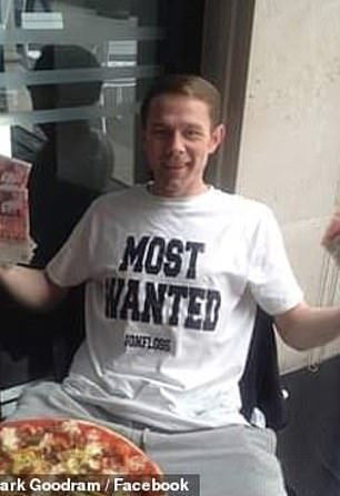 Mark Goodram, de 36 años, de Greater Manchester, está presuntamente sin hogar