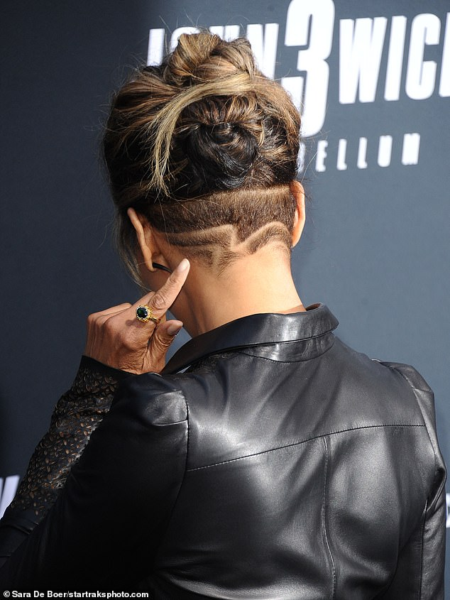 Good point: The Oscar-winning actress pointed out her trim in the back