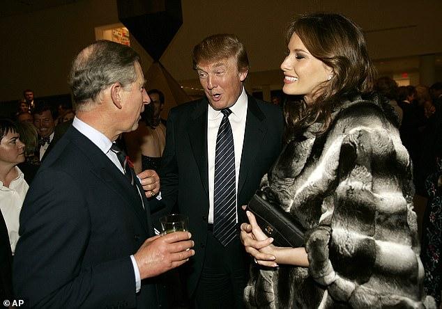 Prinz Charles (links) ist bereit für einen offenen Meinungsaustausch mit Donald Trump (Mitte mit Frau Melania, rechts) über den Klimawandel während des Staatsbesuchs des US-Präsidenten in Großbritannien im nächsten Monat, The Mail am Sonntag kann enthüllen (Foto aus dem Jahr 2005)