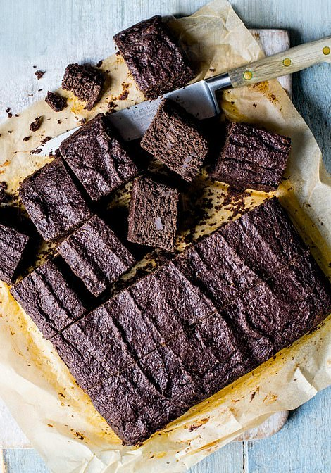 This moreish chocolate beetroot brownie recipe is an indulgent and low calorie treat