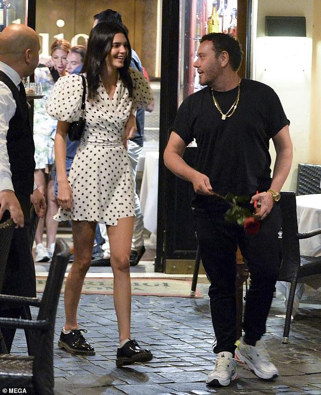 United: Les deux ont semblé apprécier leur soirée ensemble alors que Kendall prenait une pause après avoir épuisé le tournage de sa campagne.