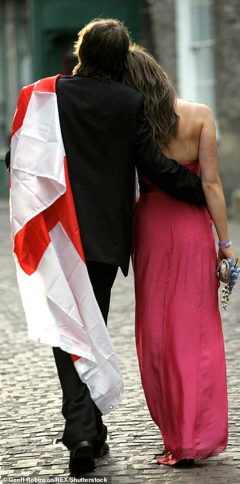 A loved-up couple make their way down the cobbled streets in 2006