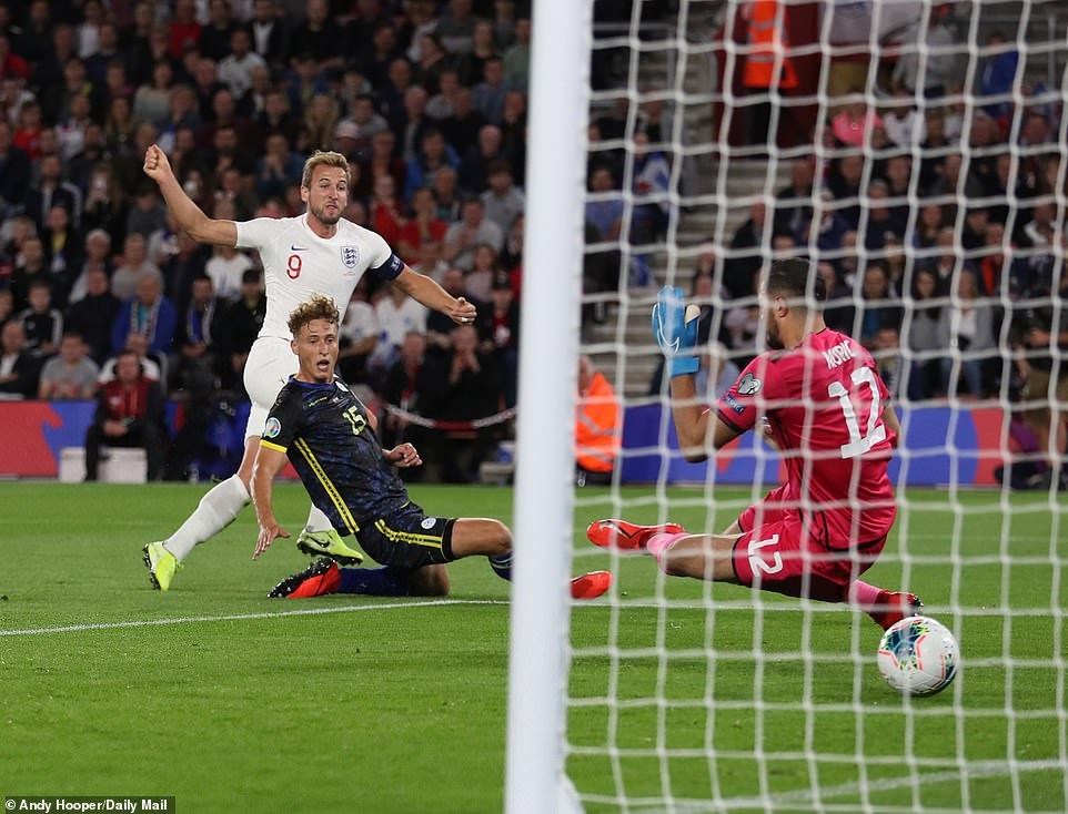 Kane showed impressive composure to beat Arijanet Muric after Sterling did excellently to find him