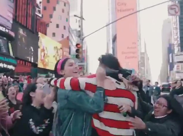 Singer Yungblud hugged fans in Times Square after tweeting them to meet him at a specific location yesterday