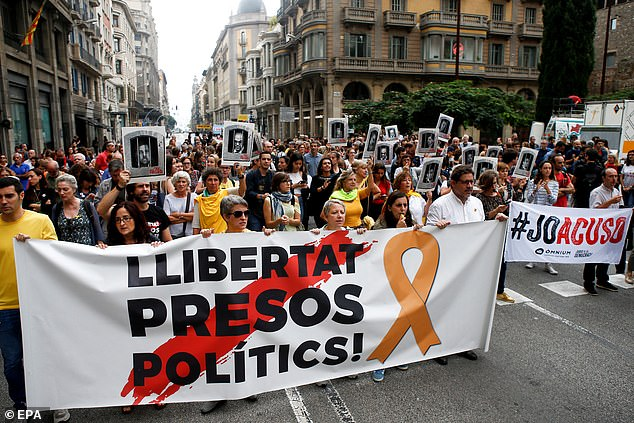 Hundreds of people block the central Via Laietana against the sentence of the 'process' announced against Catalan pro-independence leaders, in Barcelona, Catalonia, today