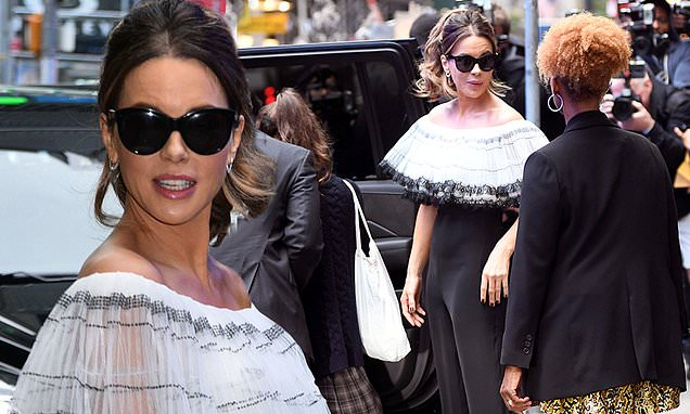 Kate Beckinsale showcases her chic