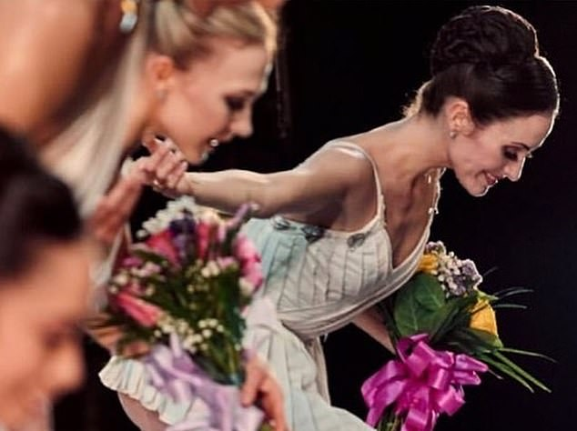 At the weekend, the 32-year-old U.S. dancer retired from the American Ballet Theatre in New York, where she has performed since she was 17. ¿It feels time to close this chapter,¿ says Melanie, who has a son aged two, Deveraux, with 76-year-old Mick