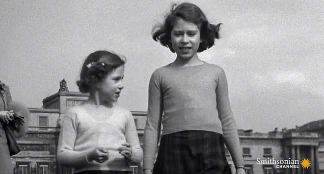 The Queen and Margaret in Piccadilly as children