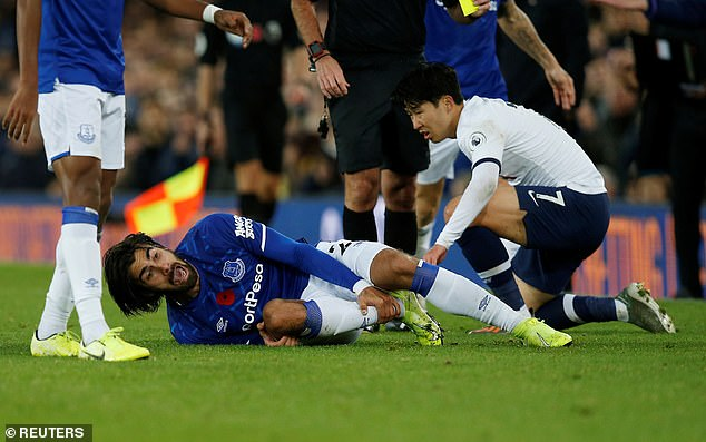 Andre Gomes screams in agony after suffering a suspected leg break on Sunday