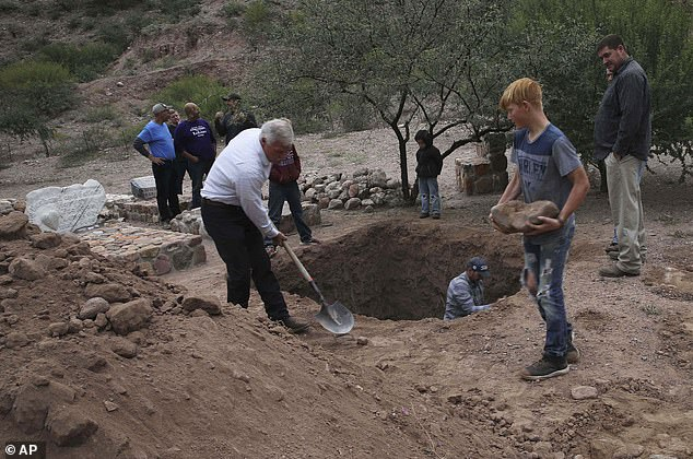 Men were spotted digging a mass grave on Thursday in La Mora ahead of the funeral for Dawna and her sons