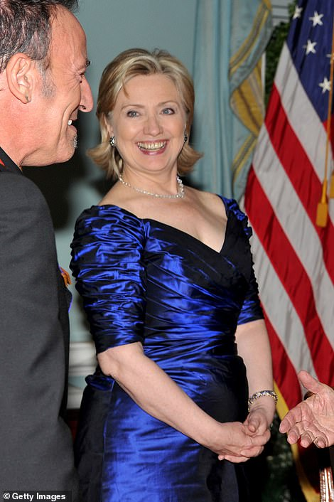 The dress is also strikingly similar to one worn by Hillary Clinton at the 2009 Kennedy Center Honors
