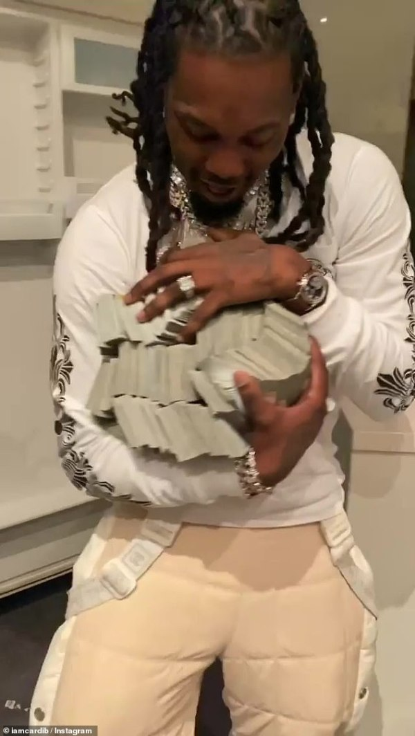 Cardi B gives Offset with $500K CASH for his birthday