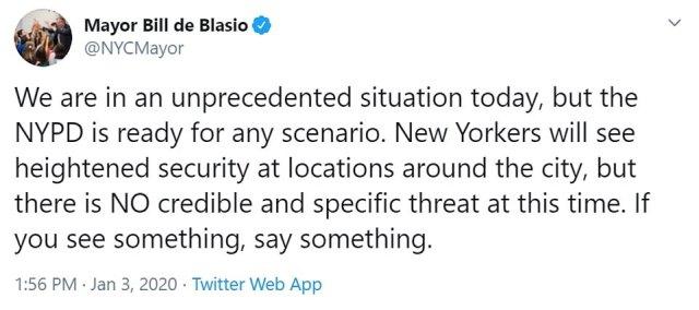 """Bill de Blasio: """"Jesteśmy dziś w niespotykanej sytuacji, ale NYPD jest gotowy na każdy scenariusz.  Nowojorczycy zobaczą zwiększone bezpieczeństwo w różnych miejscach w mieście, ale w tej chwili NIE MA wiarygodnego i konkretnego zagrożenia.  Jeśli coś zobaczysz, powiedz coś """""""