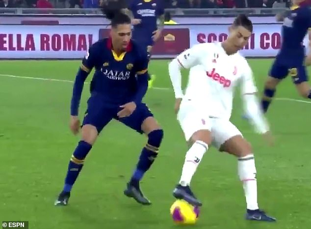 Fans go crazy for Cristiano Ronaldo's incredible ability against Chris Smalling