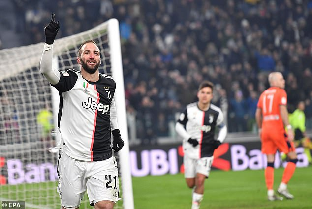 Gonzalo Higuain ended an impressive move to put Maurizio Sarri on his feet